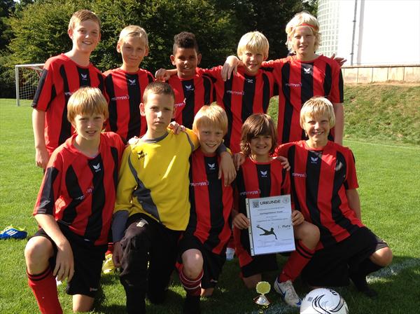 Kasseler Fussball Talente Sind Top Verein Zur Forderung Sportlicher Talente In Den Hessischen Schulen E V